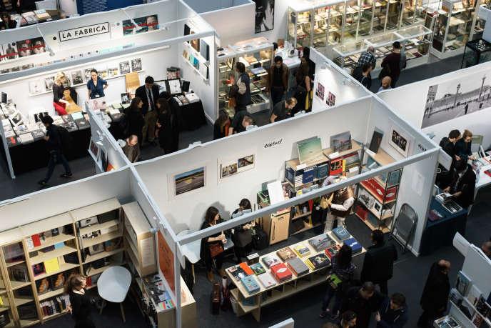 A Paris Photo, l'accent est porté cette année sur le rapport entre le livre et la photographie.