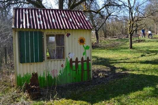 intox en s rie autour de la taxe sur les cabanes de jardin. Black Bedroom Furniture Sets. Home Design Ideas