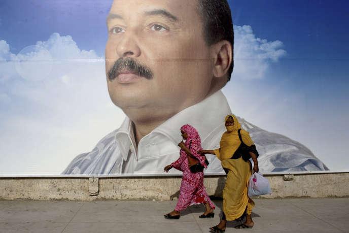 Une affiche du chef de l'Etat Mohamed Ould Abdel Aziz, lors de la campagne présidentielle de 2014, Nouakchott.