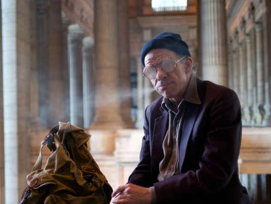 Denis Lavant est Austerlitz, au Palais de justice de Bruxelles.