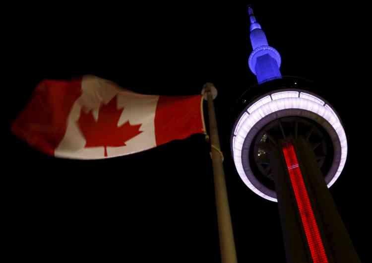 La tour CN de Toronto au Canada, le 13 novembre.