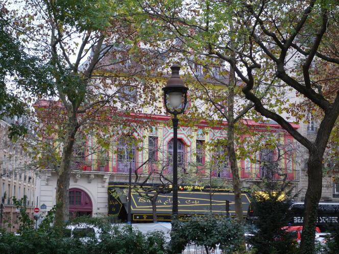 La façade du Bataclan et de son café avant les attentats du 13-Novembre.