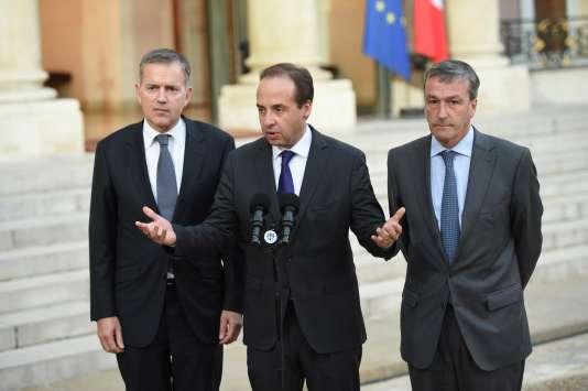 Jean-Christophe Lagarde, au centre, après avoir été reçu à l'Elysée, dimanche 15 novembre.