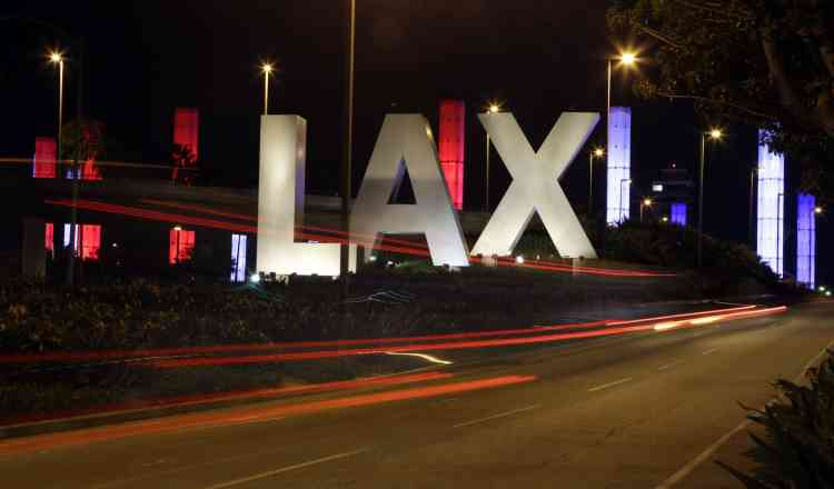 L'entrée de l'aéroport Los Angeles International .