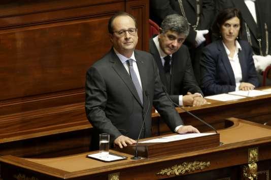 Le président François Hollande, lors de son discours au Congrès, lundi 16 novembre à Versailles.