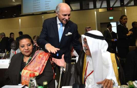 Laurent Fabius et le ministre du pétrole saoudien  Ali al-Naimi  le 8 novembre à Paris.