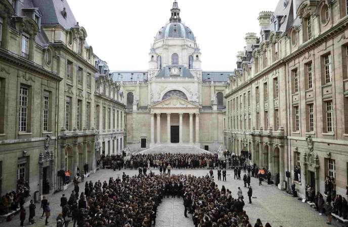 Lors d'un cérémonie à la Sorbonne en 2015.