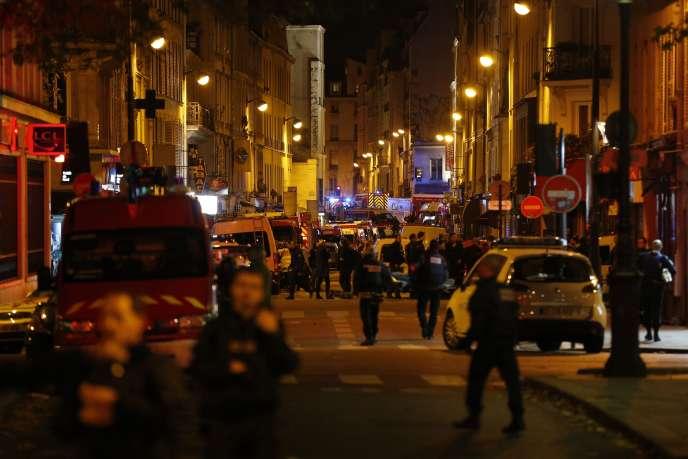 Le quartier autour du Bataclan sécurisé par le forces de police.