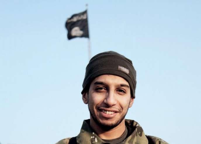 Une photographie d'un homme décrit par l'EI comme étant Abdelhamid Abaaoud.