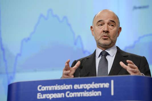 Pierre Moscovici, commissaire européen en charge de l'économie, le 5 novembre 2015 à Bruxelles, en Belgique.