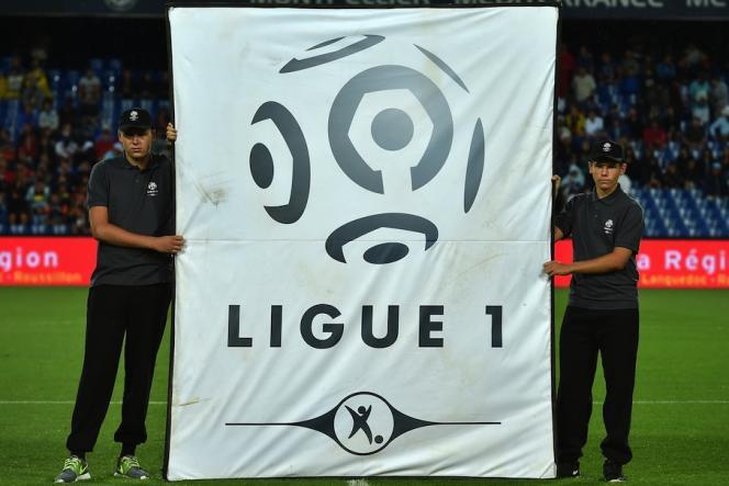 La Ligue 1 a été arrêtée, alors que la Liga espagnole, la Serie A italienne et la Premier League anglaise s'apprêtent à imiter l'Allemagne et terminer la saison de football.