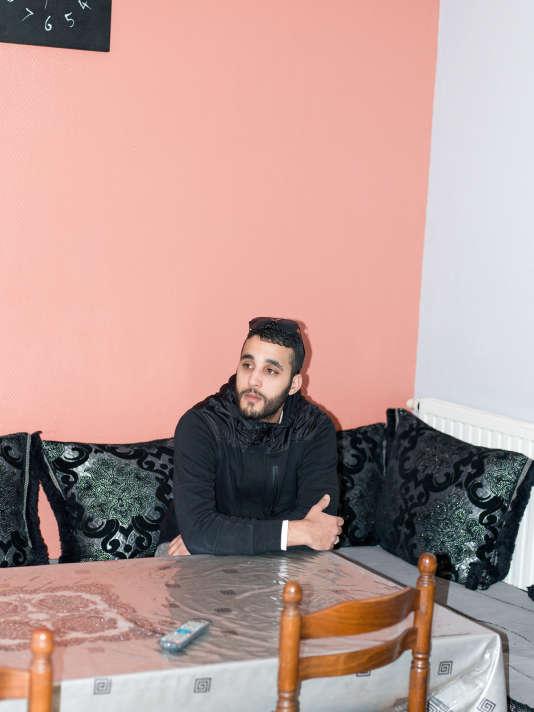 Chauffeur de VTC,  Mohamed a raccompagné gratuitement chez elles des personnes piégées par les attentats.