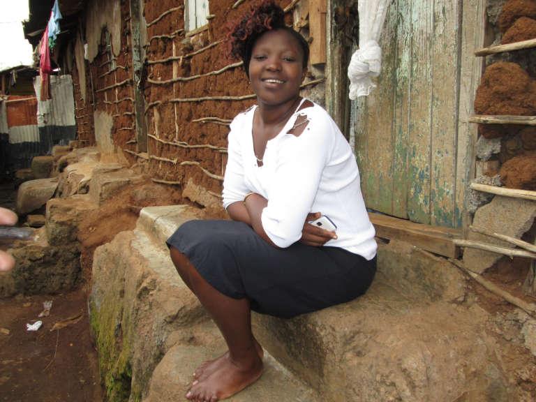 Nancy Taka, résidant à Kibera, explique sur le blog Human of Kibera qu'elle cherche actuellement du travail après un contrat de femme de ménage à l'hôpital.