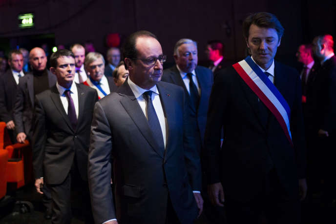 François Hollande et François Baroin, au congrès de l'Association des maires de France, à Paris le 18 novembre.