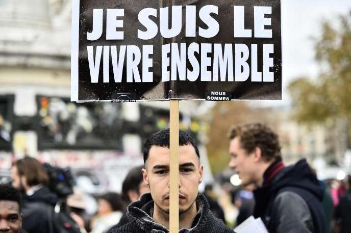 Après les attentats qui ont frappé la France en 2015, de plus en plus de personnes ont décidé de s'engager dans le bénévolat afin de «ne plus être impuissants face à ce qu'il se passe».