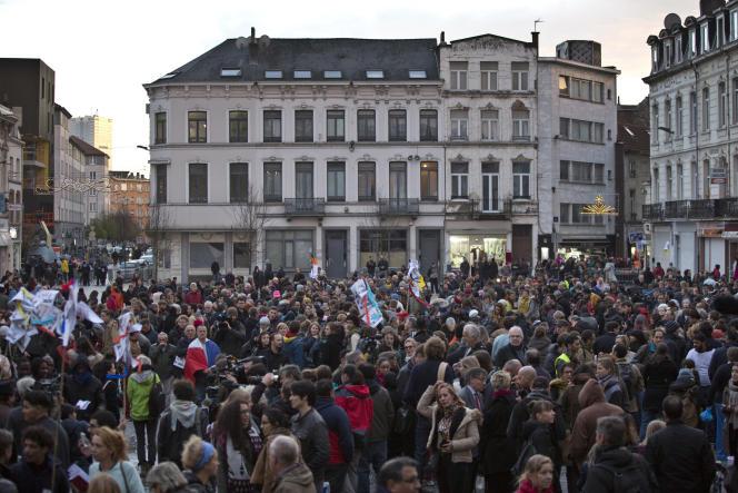 Rassemblement pour les victimes des attaques parisiennes du 13 novembre, à Molenbeek, le 18 novembre