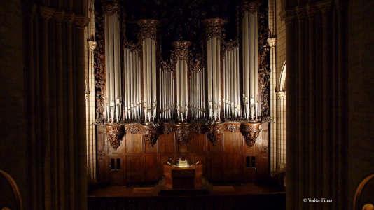 L'orgue de Notre-Dame de Paris fait l'objet d'un culte particulier de la part des organistes du monde entier.
