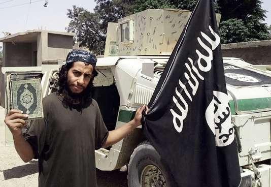 Selon le Guardian, Abdelhamid Abaaoud s'est rendu au Royaume-Uni en 2015 pour rencontrer des djihadistes.