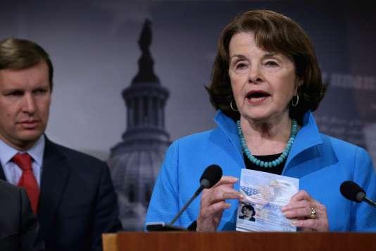 La sénatrice Diane Feinstein (démocrate, Californie), principale conceptrice du projet de loi CISA.