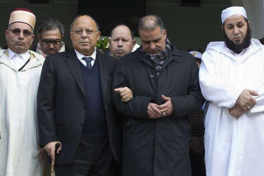 La Grande Mosquée de Paris a appelé « tous les citoyens de confession musulmane et leurs amis» à exprimer vendredi à 14 heures, en présence de la maire, Anne Hidalgo, «leur profond attachement à Paris, à sa diversité et aux valeurs de la République».
