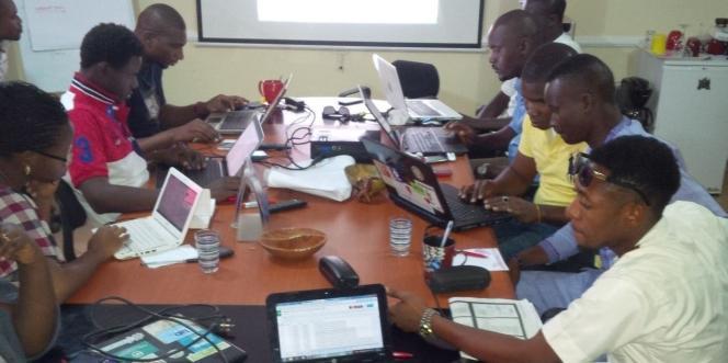 L'équipe de coordinateurs de la plate-forme Uzabe, en avril 2015, dans la capitale nigeriane