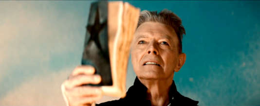 """Extrait du clip de """"Black Star"""", de David Bowie."""