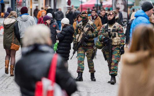 Patrouilles à Bruxelles vendredi 20 novembre.