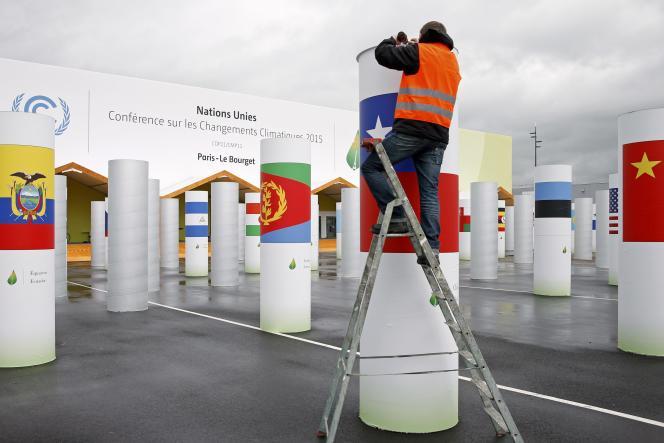 Les préparatifs sur le site de la COP21 au Bourget, près de Paris, le 19 novembre 2015.