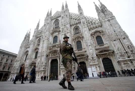 Depuis les attentats de Paris, l'Italie est passée au niveau 2 de l'alerte sécurité, juste un cran en dessous du niveau maximal déclenché en cas d'attentat sur son sol.