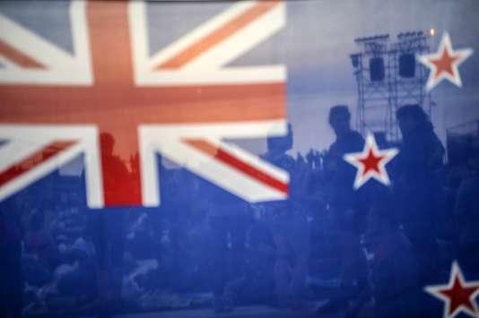 Les critiques du drapeau actuel déplorent en effet sa ressemblance avec celui de l'Australie voisine.