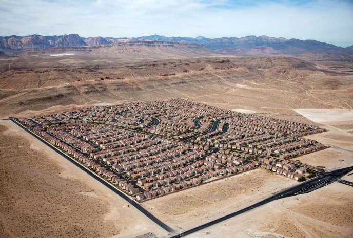 Etats-Unis, 2009. Lotissement dans le désert, près de Las Vegas (Nevada).
