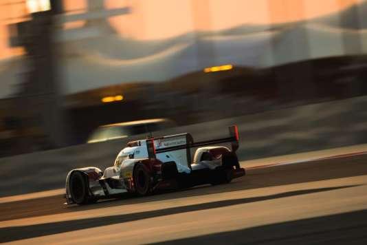 Les 6 Heures de Bahreïn est la seule course du championnat d'endurance avec les 24 Heures du Mans à se courir en partie de nuit.
