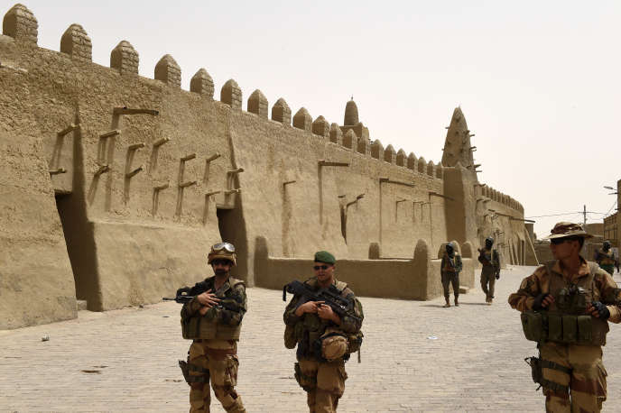 Des soldats français à Tombouctou au Mali le 6 juin 2015.