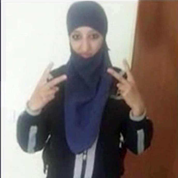 Hasna Aitboulahcen telle qu'elle apparait dans le document diffusé par la chaine