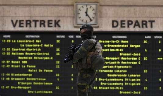 Dans la gare de Bruxelles centrale, dimanche 22 novembre.