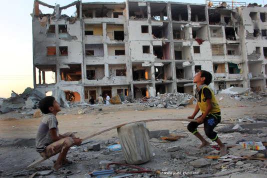 Affiche du festival Proche Orient : ce que peut le cinéma, tirée d'une photographie  du Palestinien Khalid Atif Hasan.