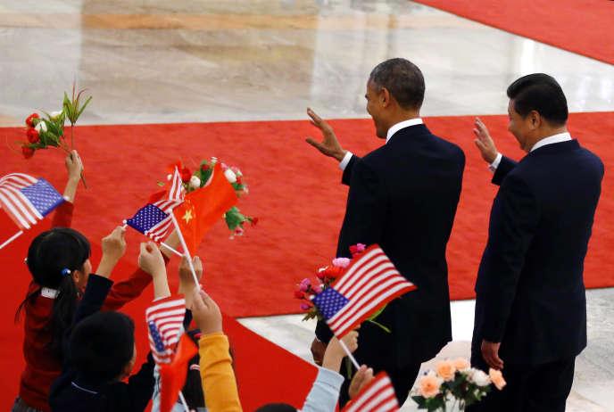 Chine,12 novembre2014. Le président Xi Jinping (à droite) reçoit son homologue américain, Barack Obama, à Pékin.