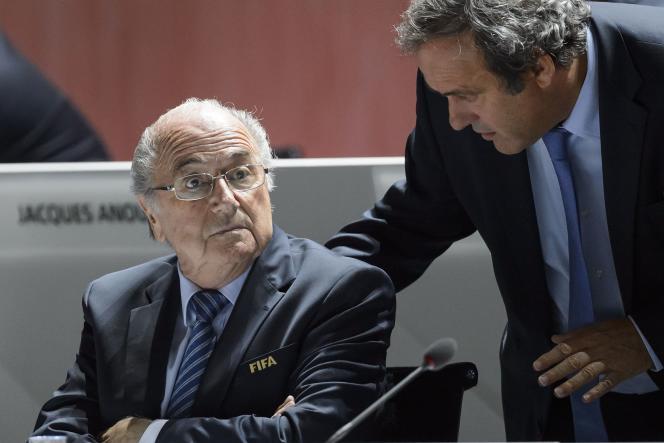 Joseph Blatter, alors président de la FIFA, et Michel Platini, patron de l'UEFA, au 65ème Congrès de la FIFA à Zurich, le 25 mai.