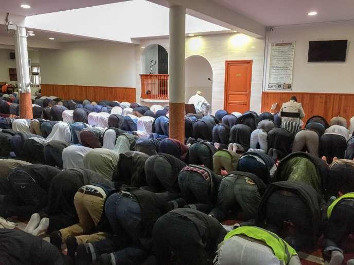 Une perquisition a été effectuée le 19 novembre dans la mosquée Sunna de Brest mais aucune interpellation n'a eu lieu et aucun document susceptible de constituer une infraction n'aurait été saisi.