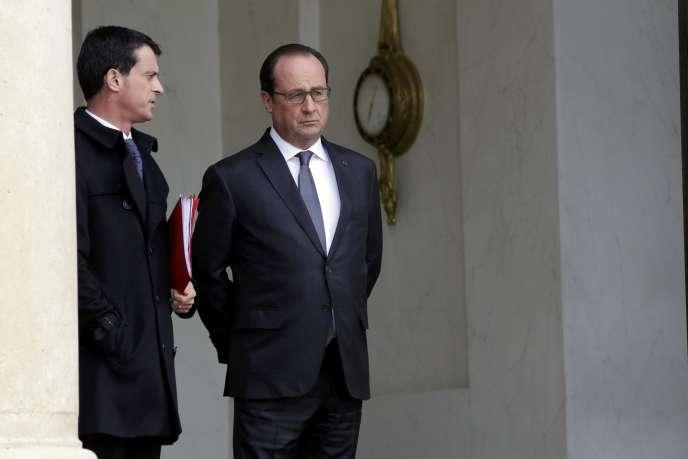 Manuel Valls et François Hollande à l'Elysée, au lendemain des attentats, le 14 novembre.