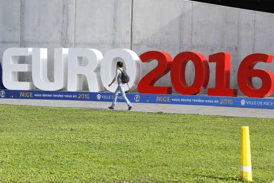 L'Euro 2016 de football se tient du 10 juin au 10 juillet en France.