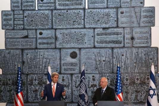 « Aucune frustration, aucune politique, aucune idéologie, aucune émotion ne justifie le fait d'ôter des vies innocentes », a confirmé John Kerry au président israélien Reuven Rivlin.