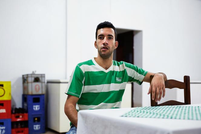 Osama Abbas, 23 ans, est Syrien. Arrivé au Brésil en juin, il travaille et ses papiers ont déjà été régularisés.