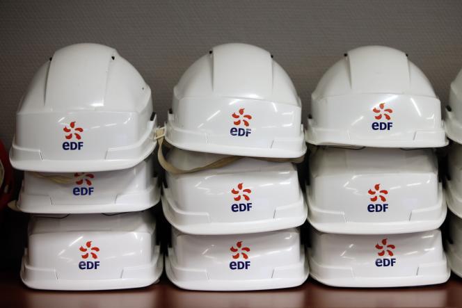 EDF remporte le prix Pinocchio du climat 2015 dans la catégorie « Greenwashing » pour « sa campagne visant à faire du nucléaire une énergie propre» selon les ONG.