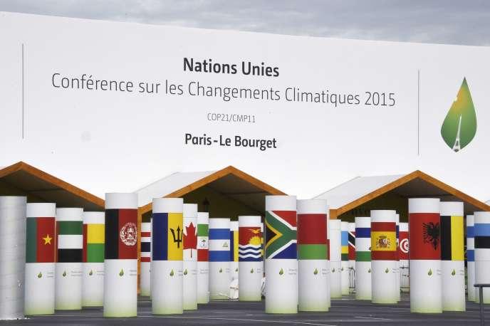 L'entrée de la grande salle de la conférence des Nations unies sur le climat, au Bourget, le 25 novembre.