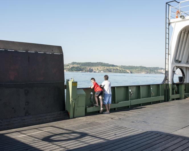 Sur le ferry qui relie Lisbonne à Costa da Caparica.