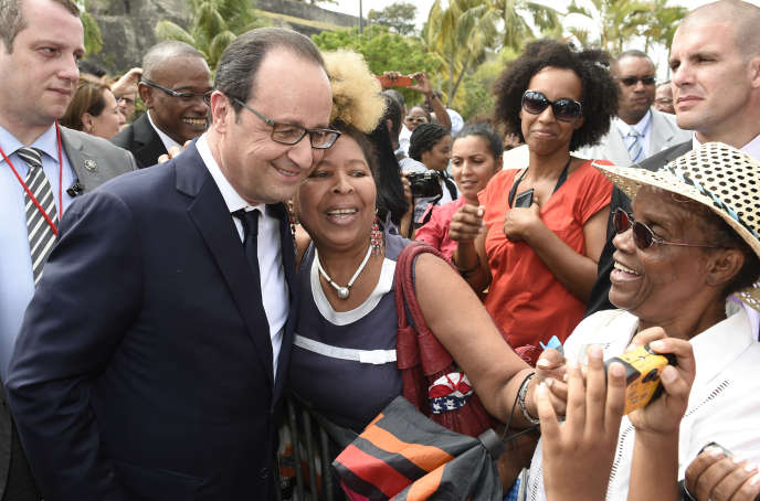François Hollande à Fort-de-France, capitale de la Martinique, le 9 mai 2015.