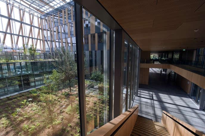 Le siège du conseil régional d'Auvergne, à Clermont-Ferrand.
