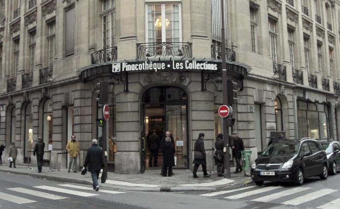 L'entrée de la Pinacothèque de Paris.