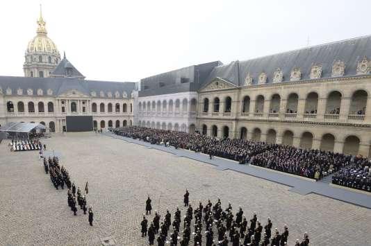 Hommage national aux victimes des attentats du 13 novembre, à l'hôtel des Invalides, à Paris, le 27 novembre.